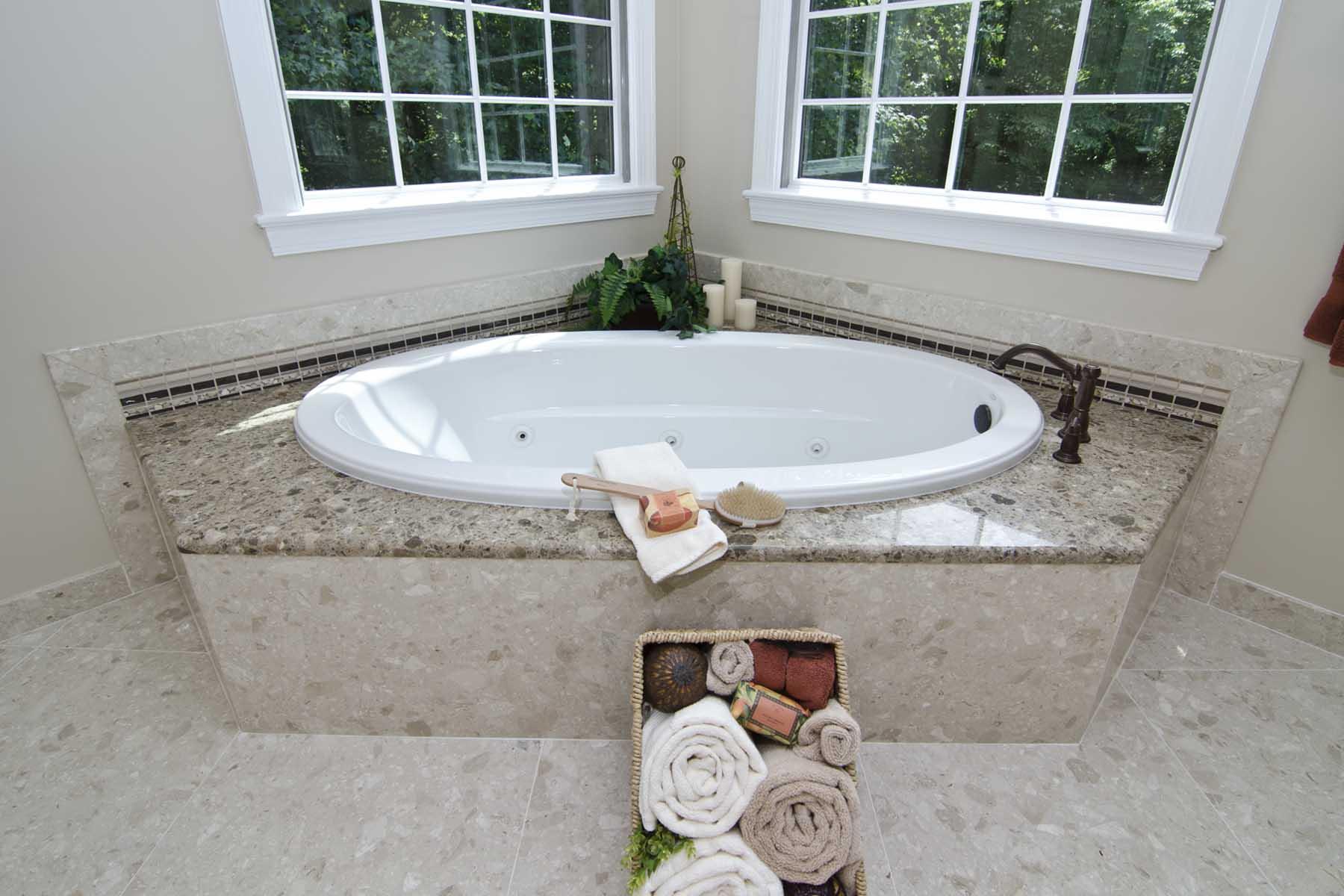 Verona Showers Tub Deck, Riser, Floor, and Baseboard
